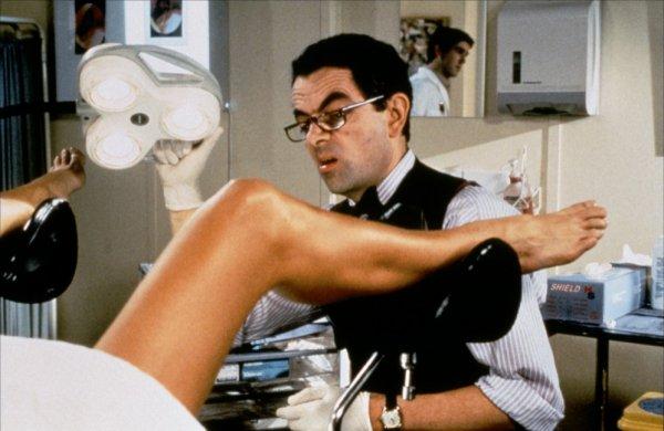 Photo d'une femme nue chez un gynécologue