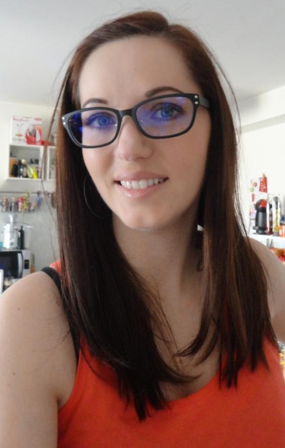 femme lunettes de repos en mode gonzesse le blog beaut maquillage et humeurs. Black Bedroom Furniture Sets. Home Design Ideas