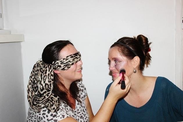 tag maquillage à l'aveugle
