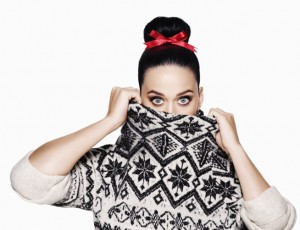 Katy-Perry-sa-campagne-speciale-Noel-pour-H-M-devoilee-!_portrait_w674